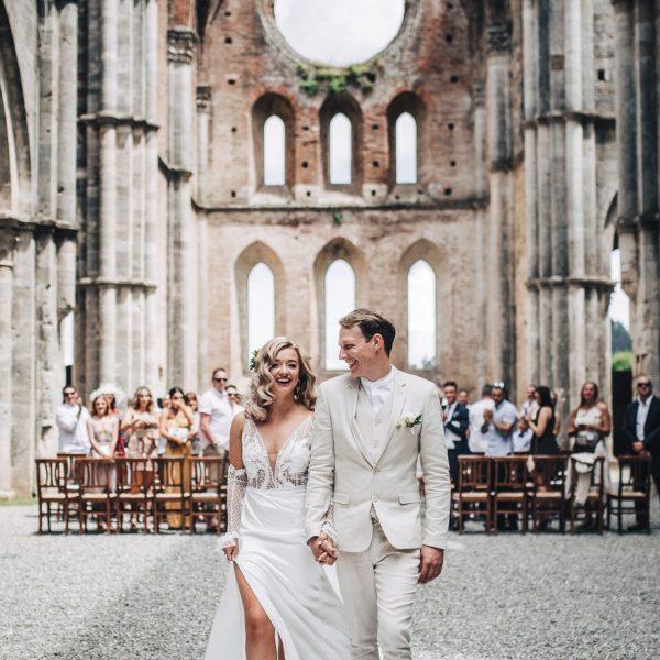 Boho wedding in San Galgano Abbey