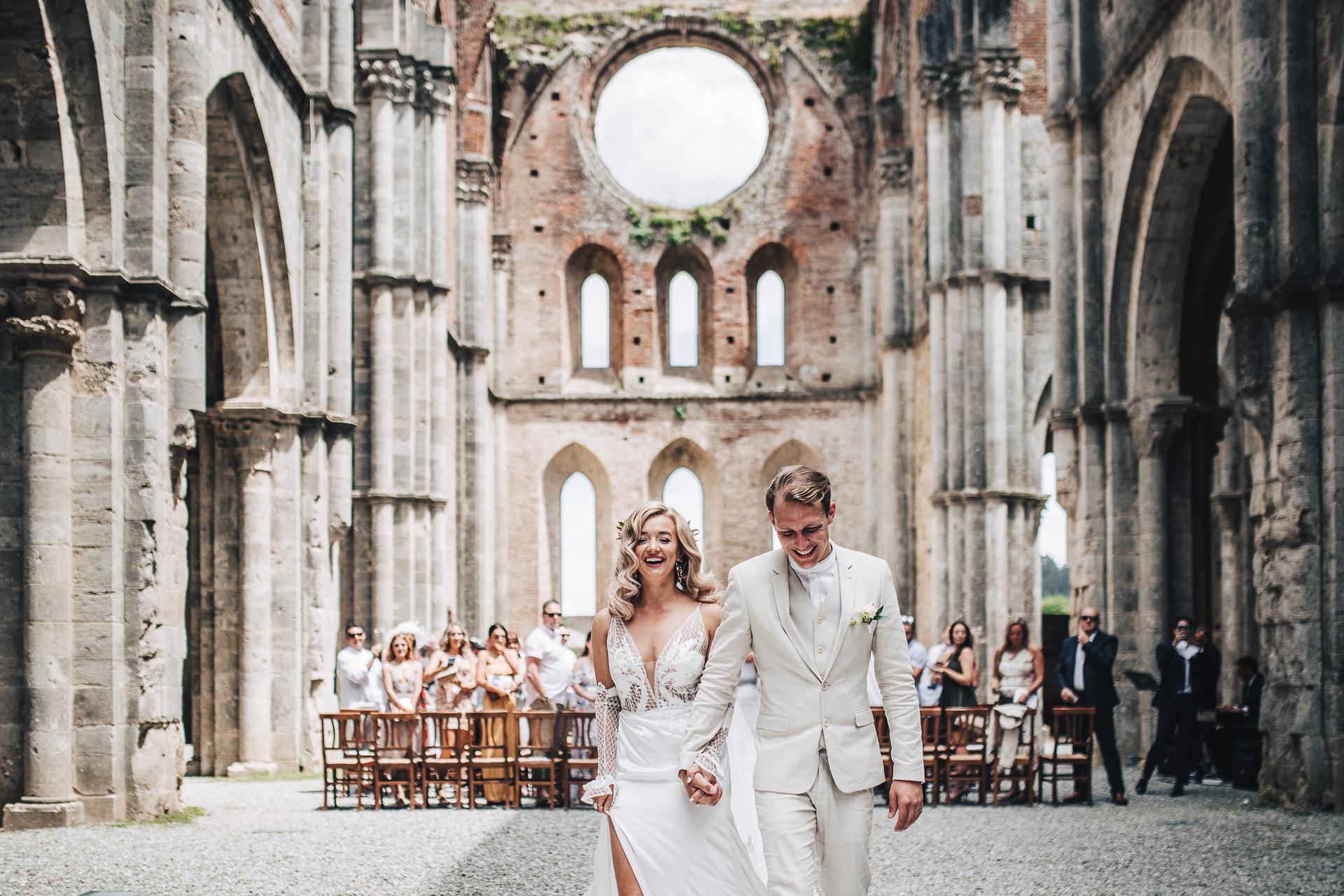 Matrimonio Simbolico All Aperto : Matrimonio boho in italia all aperto
