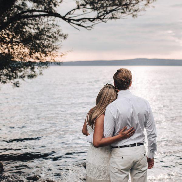 Boho wedding on the lake